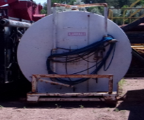 8,000 gallon capacity fuel tank